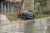 Forte chuva causa alagamento na Zona Leste