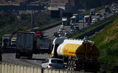 Caminhoneiros mobilizam nova paralização