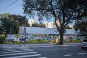 Pintura em muro de escola infantil