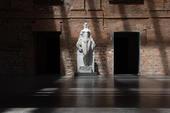 Estátua Musa Impassível