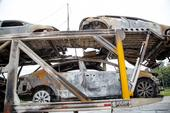 Incêndio em caminhão cegonha Caçapava
